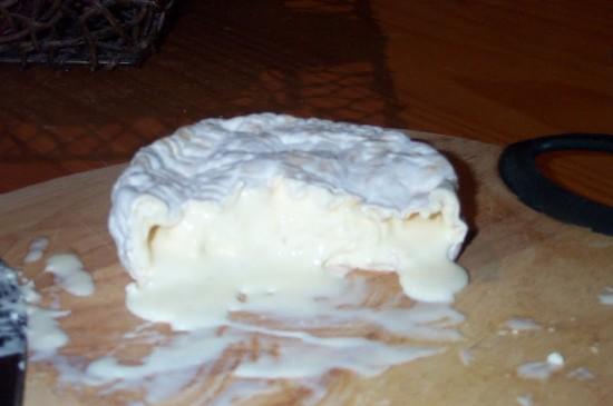Camembert ripe 2