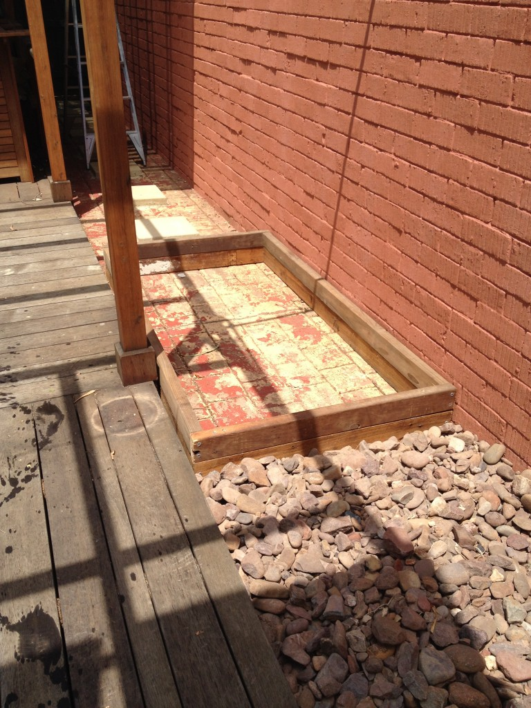 Building a wicking bed on concrete