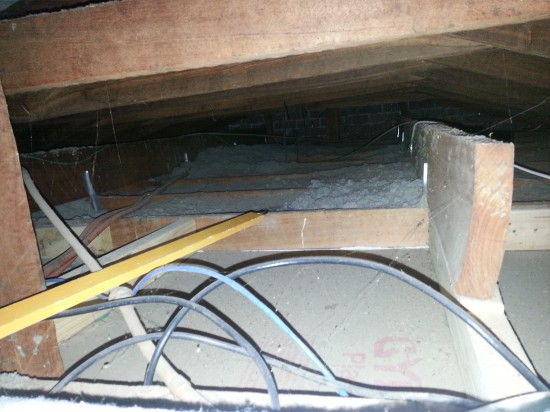 gaps in ceiling insulation